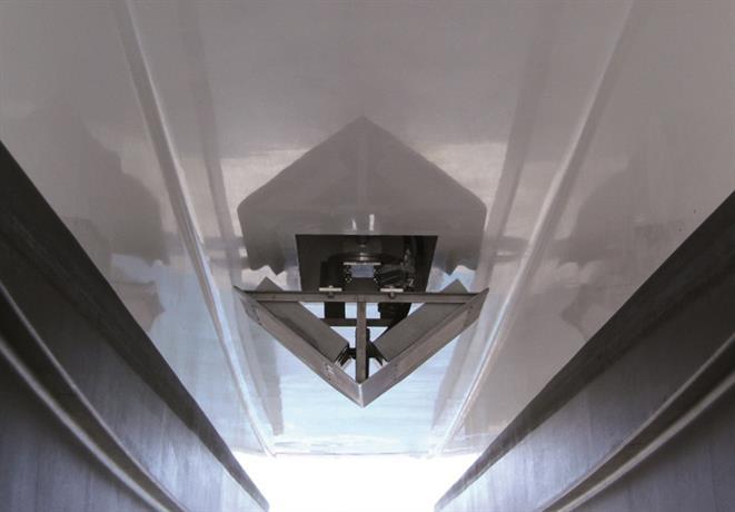 Wärtsilä ELAC SeaBeam 1180 - Permanent underhull installation of the transducer array (2)