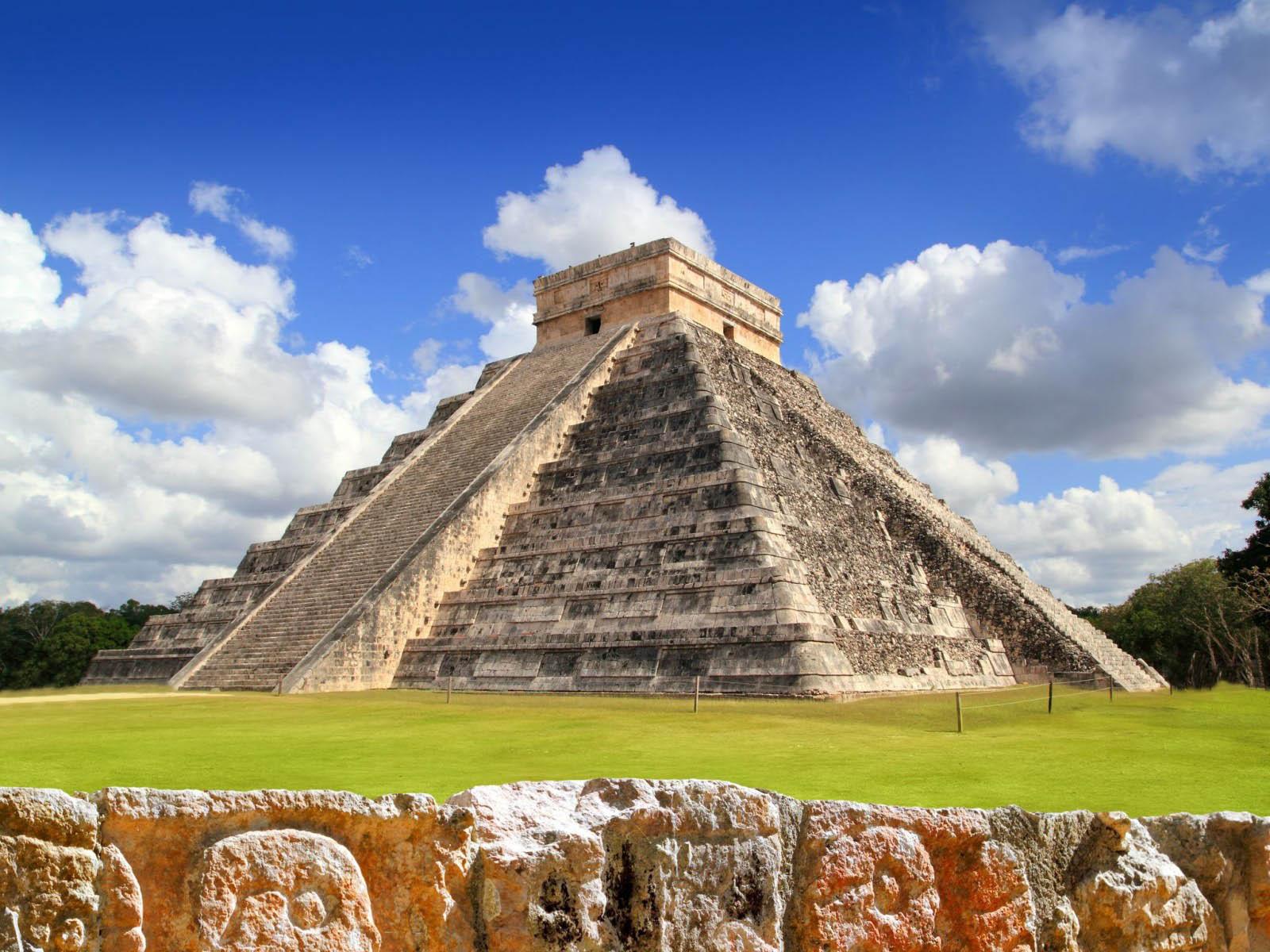 chichen-itza-yucatan-mexico