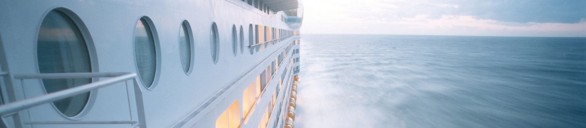 Cruise-ships-slide