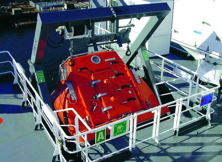 Free-fall lifeboat