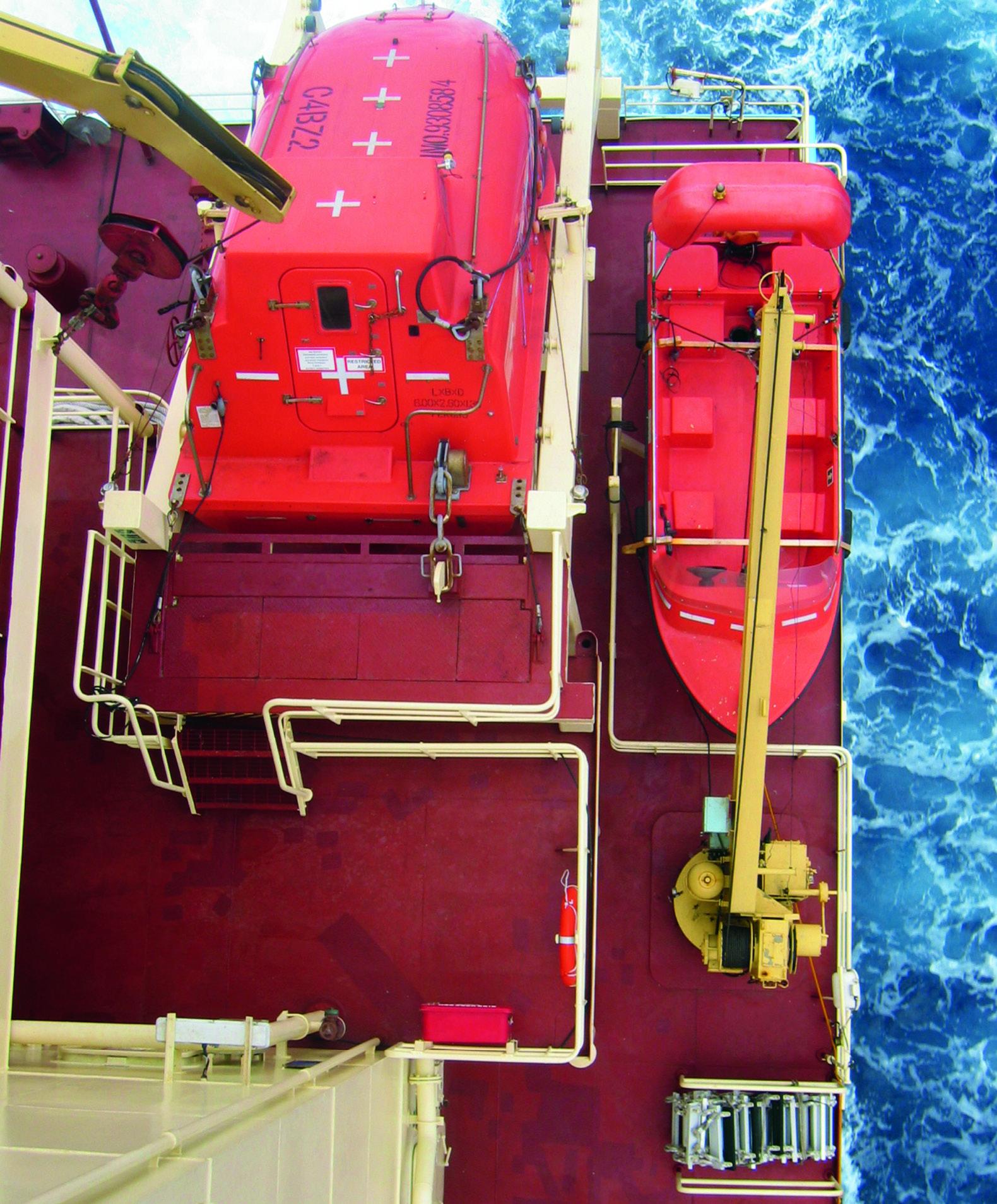 Launching appliance or arrangement