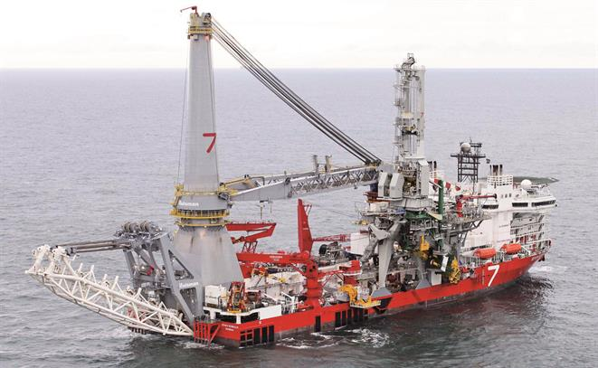 Pipelay Heavy Lift Vessel Seven Borealis