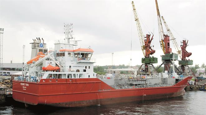 Product tanker ANGELINA AMORETTI