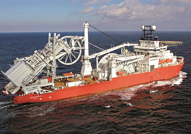 Rigid pipelaying vessel SEVEN OCEANS