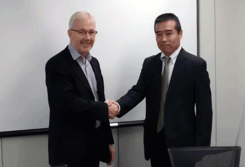 Mr Joe Thomas, Ballast Water Treatment Director, Wärtsilä and Mr Katsushige Nakato, General Manager, Harison Sangyo Co., Ltd.