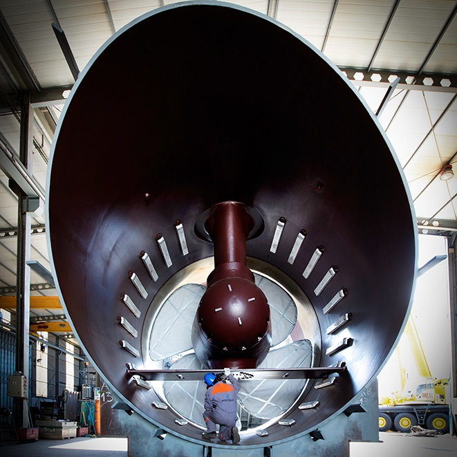 CT3500 (5500 kW, largest tunnel thruster in the world)