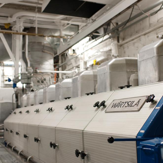 Wärtsilä 50DF Pilot fuel line water separator