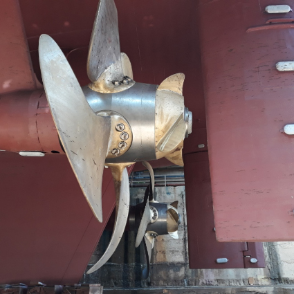 Controllable pitch propeller services