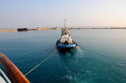 Tugboats steer the way3