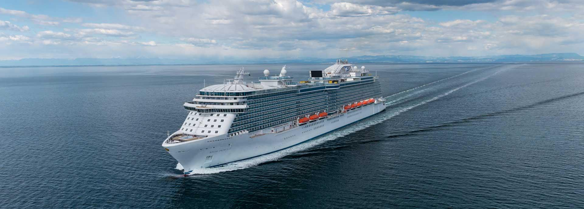 Environmental credentials and image key for cruise ship operators