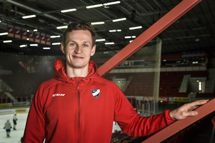 Ice hockey is both pain and gain for Teemu Tallberg2